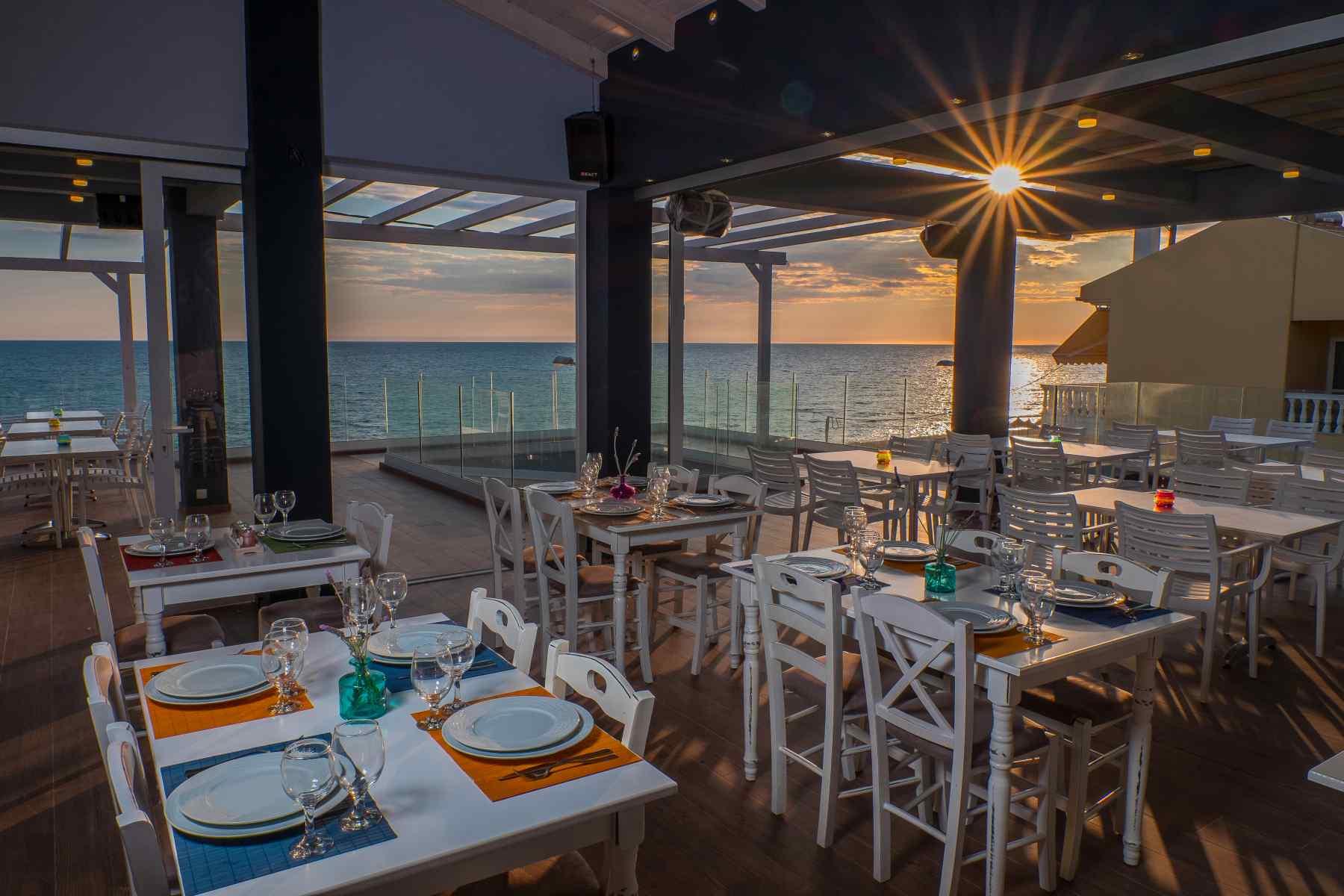 Must Boutique Hotel, Ξενοδοχείο στο Κανάλι Πρέβεζας, Μοναδικά πιάτα στο εστιατόριο